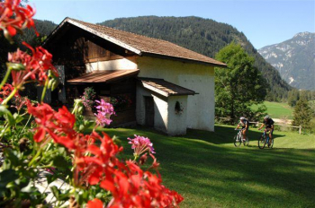 TOUR OF THE MOUNTAIN HUT AND PASTURES - Paneveggio Nature Park - 3.0 H